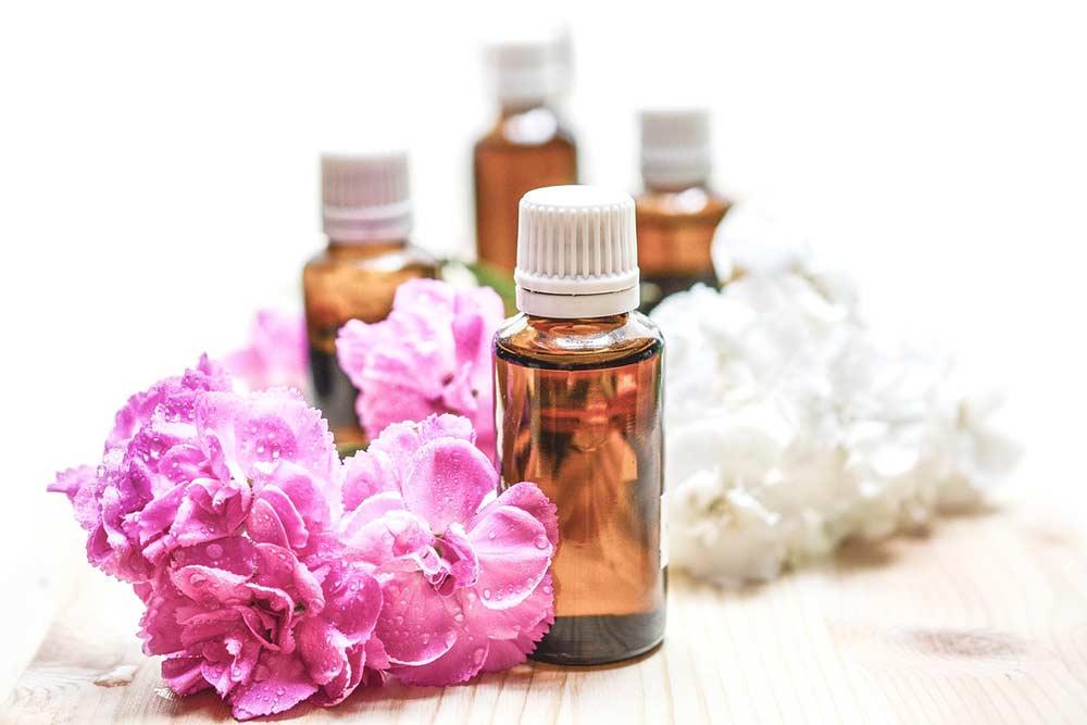 Aromathérapie: découvrez les bienfaits des huiles essentielles