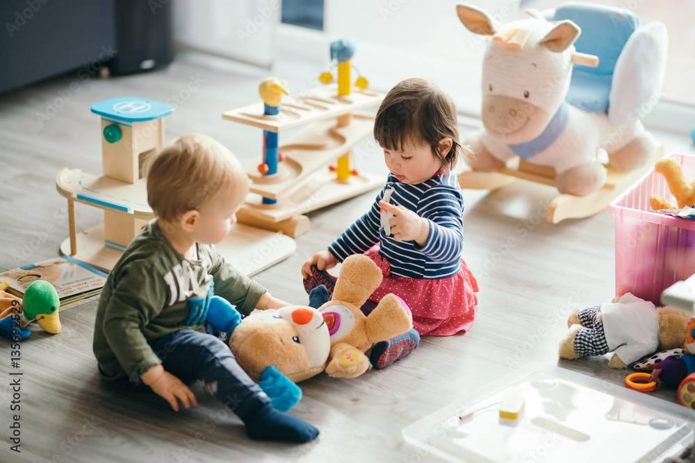 Adapter les activités en crèche à l'âge de son bébé