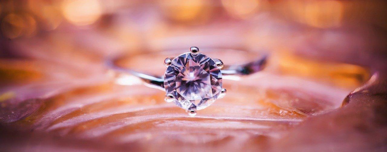 Des idées pour changer votre bague de fiançailles