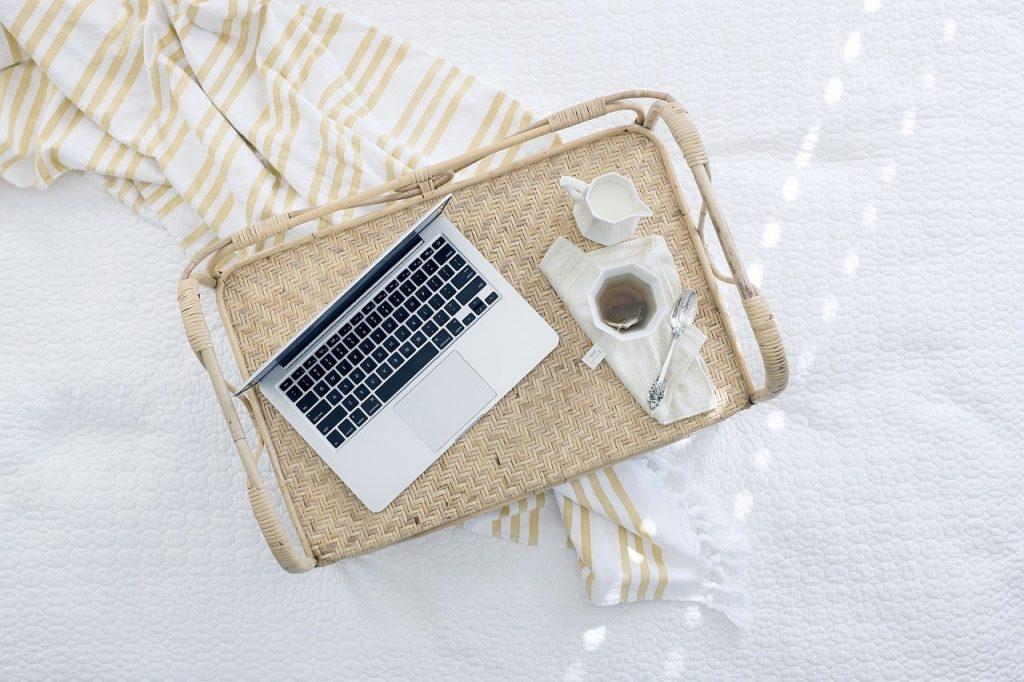 ordinateur portable, plateau, thé