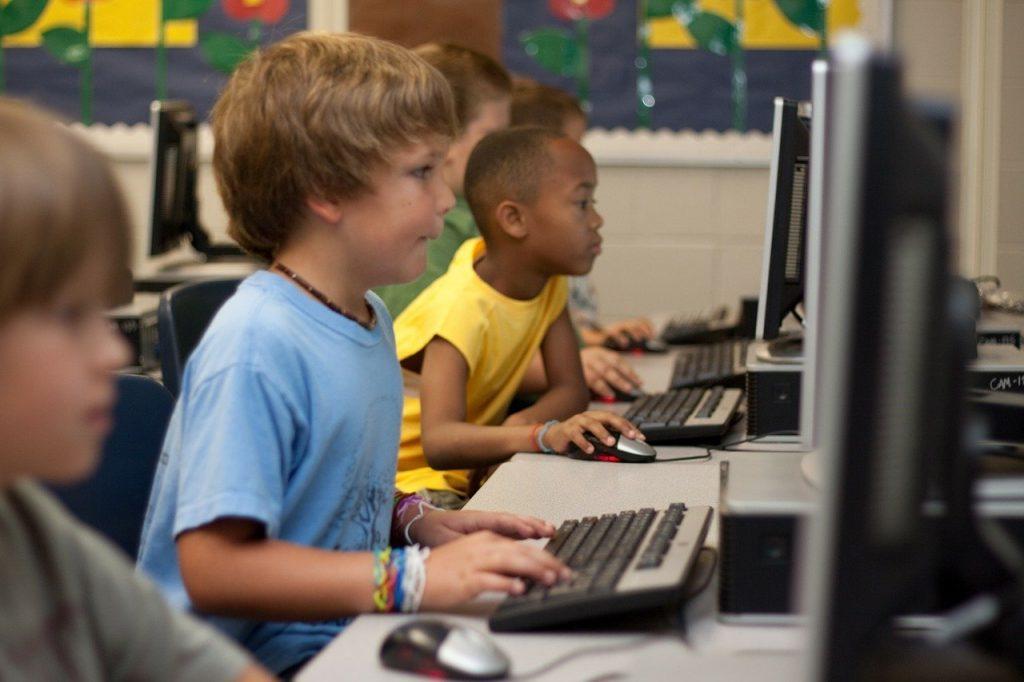 étudiants, ordinateur, jeune garçon